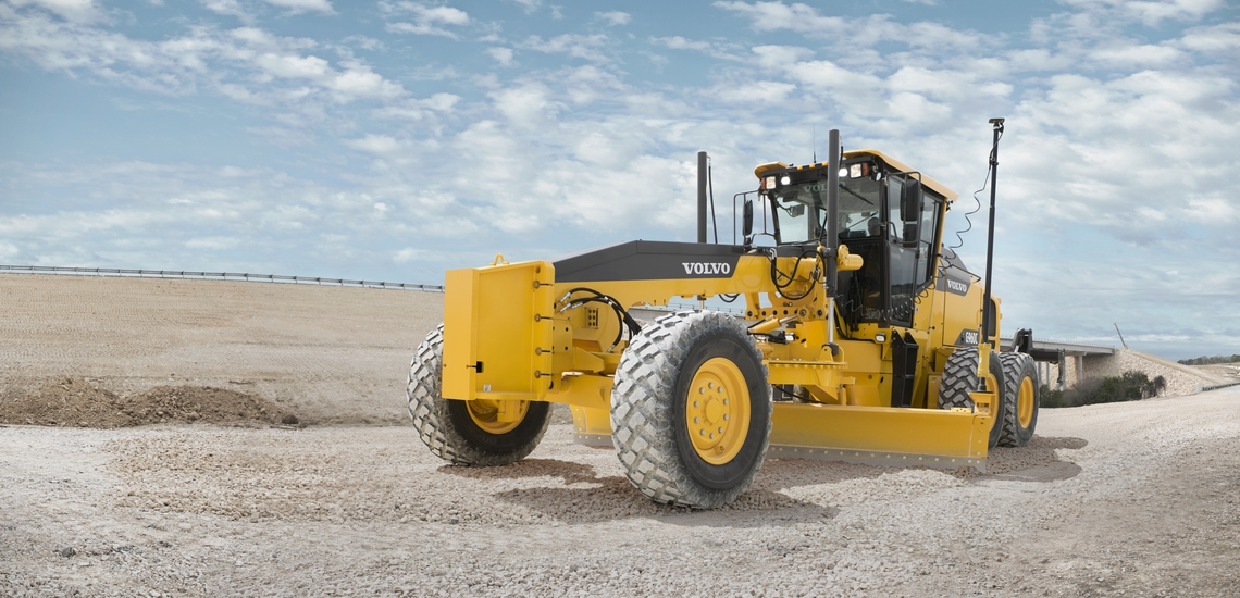 01_VOLVO grader with 3D GNSS